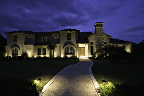 Let SafeResidence show you how to use outdoor lighting for beauty and security!